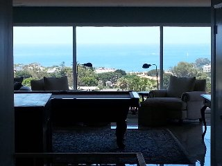 Newport Beach home with Stunning Views- 5BR/3BTH, Corona del Mar