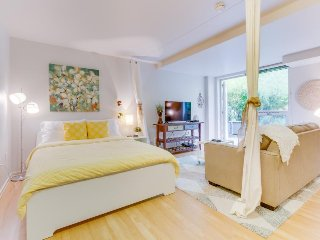 Romantic & airy studio-style unit w/ shared rooftop deck - dog-friendly!