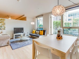 Dog-friendly South Lake Union condo w/ great amenities!, Seattle