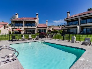Updated lakefront condo w/ grill, shared pool & hot tub overlooking the lake