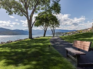 Lake/pool views from first-floor condo with shared hot tub!, Chelan