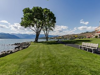 Great lakeview condo with shared pools/ hot tub!, Chelan