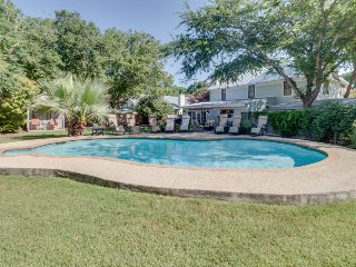 Historical charm and a modern renovation await. Dog-friendly & private pool!, Luckenbach
