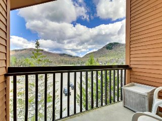 Ski-in/ski-out condo w/ shared, heated pool at the base of Pico Mountain