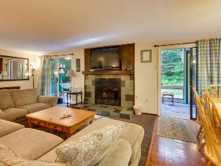 Spacious home w/ ski bus access, 2 miles from Mount Snow!