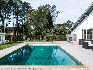 Seignosse villa with heated swimming pool