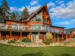 Lake views, a pool/hot tub, basketball court, and more!