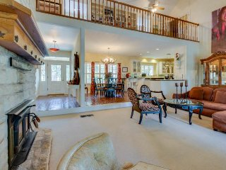 Magnificent riverfront home on 5 acres w/ pool & hot tub, Spicewood