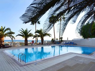2b Pool Seafront Delux Penthouse - Londa, Limassol