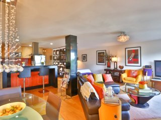 Beautiful furnished apartment in Corona Heights with stunning views, Forest Knolls