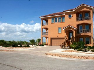 101 Porto Villageo Dr, Port Aransas