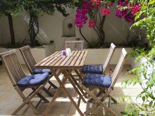 Quentin apartment in Graça {#has_luxurious_amenti…, Lisboa