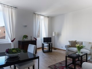 COZY APARTMENT IN SANT'AMBROGIO (CRD2)