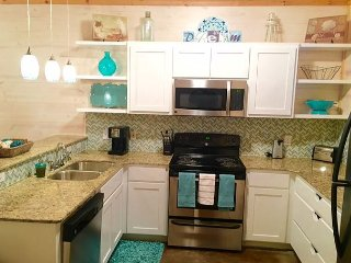 801TC - Vacation Townhouse, Large Shared Pool,3 Bedroom, 2.5 bath, Sleeps 10, Port Aransas