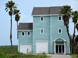 121 12th - Breathtaking View of the Gulf & Channel, 3 BR 3 Bath Home.Sleeps 8, Port Aransas