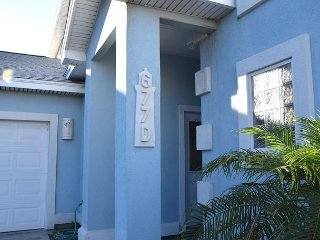 677D; Beautiful Townhouse with lots of space Sleeps 10, Port Aransas