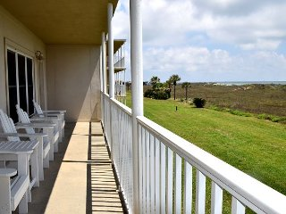 179IR - Beautiful View of the Gulf, Boardwalk to Beach, 2Br/2Ba Sleeps 8, Port Aransas