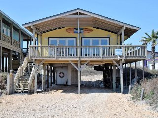 3306 On The Beach Home Sleeps 10 with Waterfront View, Port Aransas