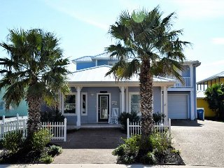 116 RS: SPINNAKER HOUSE - Beautiful 4 bedroom home with shared pools-sleep 10