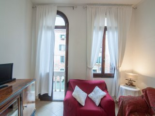 RESIDENZADD3467 -CENTRAL APARTMENT WITH CANAL VIEW, City of Venice