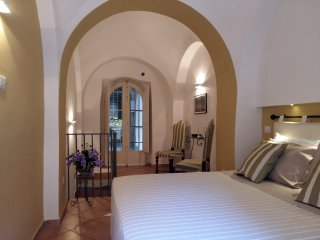 NEAPOLIS Cozy Apartment 2 floors HISTORIC CENTER