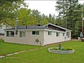 Waterfront Cottage for Rent on Calumet Island