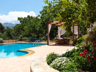 Villa Allaria - Large Pool, Great View & Garden
