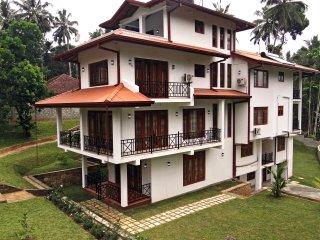 Dilray Villa
