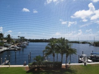 Luxury condo overlooking harbor with ocean view, Islamorada