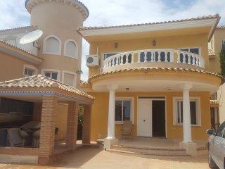 6 Bed Villa En Jacarilla, VistaBella,