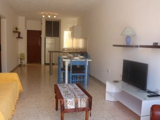 Central Comfortable  2 Bedroom Apartment Free Wifi, Bugibba