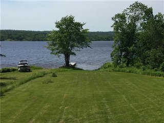 Waterfront Cottage located in Cambridge Narrows, Cambridge-Narrows