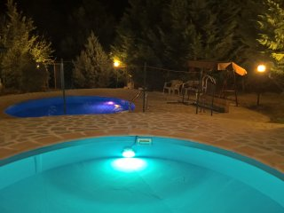 Tamerici House -camere nel verde pool by day/night, Montecastrilli