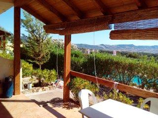 interno verandina con vista panoramica e vista piscina condominiale
