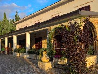 Tamerici Casa -Camera N.Queen 2-piscina di giorno / notte, Montecastrilli