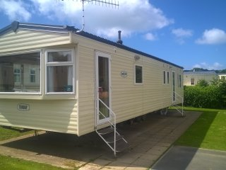 Private Static Caravan Whitecliff Bay Holiday Park