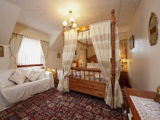 Acorn Guest House Double Room 6, Inverness
