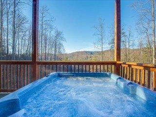 4 BR, 3-Level Gatlinburg Cabin w Views! Sleeps 16. Summer Specials from $199!