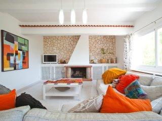 Villa with separate apartments,  nr Santa Eulalia, Cala Llenya