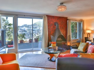 Beautiful corporate  apartment with panoramic view, San Francisco