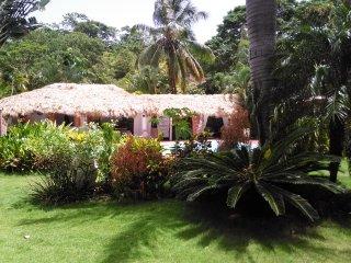 Villa style caraïbes, 1chambre ou 2chambres - Jacuzzi - Massages Thérapeutiques