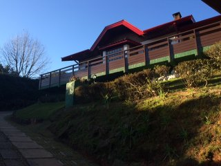 Beauteful 4 suites home in Descasóplois, Campos Do Jordao