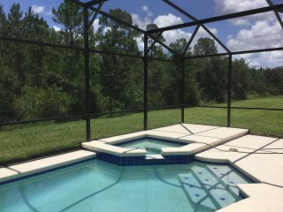 LUXURY POOL/SPA HOUSE NEAR DISNEY - 5 BED/4BATH, Kissimmee