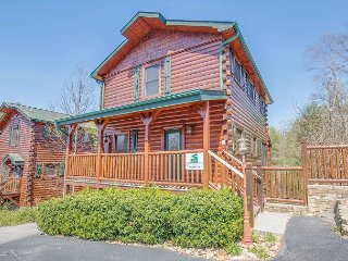 4BR Gatlinburg Cabin w/ Hot Tub, & More! Sleeps 18. Summer Special from $189!