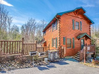 SUMMER FROM $229!!! 5BR Gatlinburg Cabin with Theater Room. Sleeps 18.