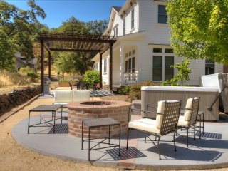 4BR/2.5BA Estate at Pinot Hill in Healdsburg