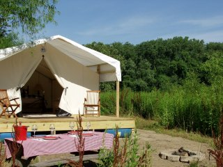 Glamping St. Louis - Willow Haven
