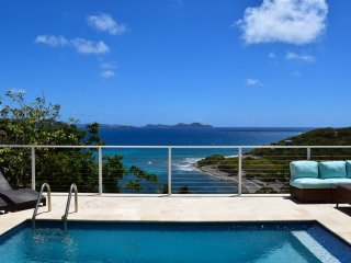 Alice by the sea: Enchanting Views from newly renovated Villa, Coral Bay