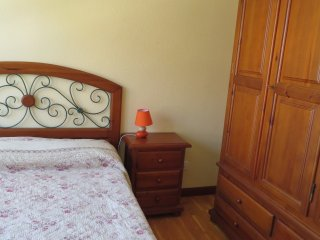 Habitación principal con cama de 1,35 cm.