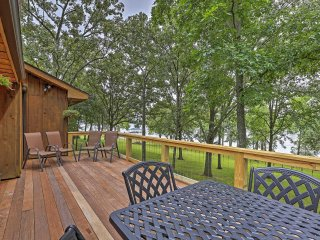 New Listing! Lakefront 4BR Benton Cabin w/Private Dock